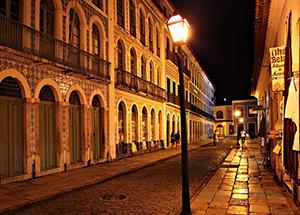 No embalo dos casarões históricos de São Luís.