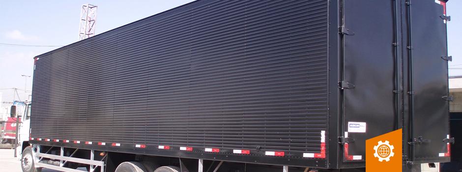Revestimento do seu baú. Conheça os 7 tipo mais utilizados por diversos caminhoneiros.